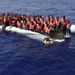 إيطاليا تهدد بعدم فتح الموانيء أمام سفن الإغاثة.. بشرط واحد