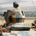 الجيش التركي يطلق النار على أهداف لوحدات حماية الشعب