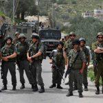 فيديو| الاحتلال يمنع المصلين الشباب من الصلاة داخل القدس
