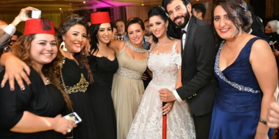 40f36ad3e5aa6 نجوم الفن يجتمعون في حفل زفاف حنان مطاوع والمخرج أمير اليماني