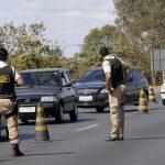 الشرطة تطلق قنابل الغاز لتفريق محتجين على خطة الميزانية في البرازيل
