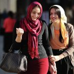 استطلاع: العداء يزداد تجاه العرب والمسلمين في بريطانيا