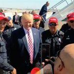 العقاب بانتظار 10 أفراد من شرطة تكساس وضعوا قبعات حمراء لتأييد ترامب