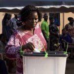 «عصير الفواكه».. سلاح المعارضة لحشد الدعم لمرشحها الرئاسي في غانا