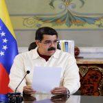مادورو يتهم السفارة الأميركية بالتحضير لأعمال عنف في فنزويلا