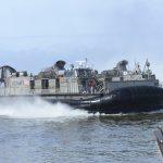 جنرال أمريكي يشتبه بدور إيراني في هجمات الحوثيين على سفن بلاده