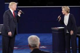 5 صور تحكي أهم أحداث المناظرة بين هيلاري وترامب