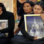 صور| ملايين التايلانديين يرتدون ملابس سوداء حدادا على ملكهم