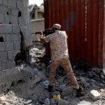القوات الليبية تطلق النار على أهداف لتنظيم «داعش» في سرت