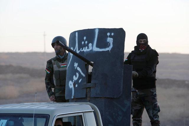 Peshmerga forces advance in the east of Mosul to attack Islamic State militants in Mosul, Iraq, October 17, 2016. REUTERS/Azad Lashkari