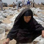 العراقيون يعيدون دفن رفات ذويهم في مقابر دمرها «داعش» جنوب الموصل