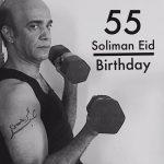 كوميديان مصري يحتفل بعيد ميلاده على طريقة «الهضبة» عمرو دياب