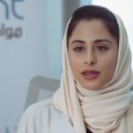 فيديو  كاتبة قطرية تثير الجدل بعد ظهورها بدون حجاب في أحد البرامج
