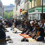 بلدة فرنسية تحظر صلاة وشعائر المسلمين
