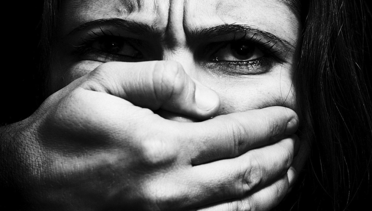 o-violence-against-women-facebooka91a20872