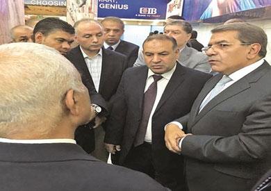 وزير المالية المصري في المطار