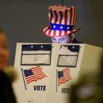 طوابير طويلة وأعطال آلات ودعوى لترامب في يوم الانتخابات الأمريكية
