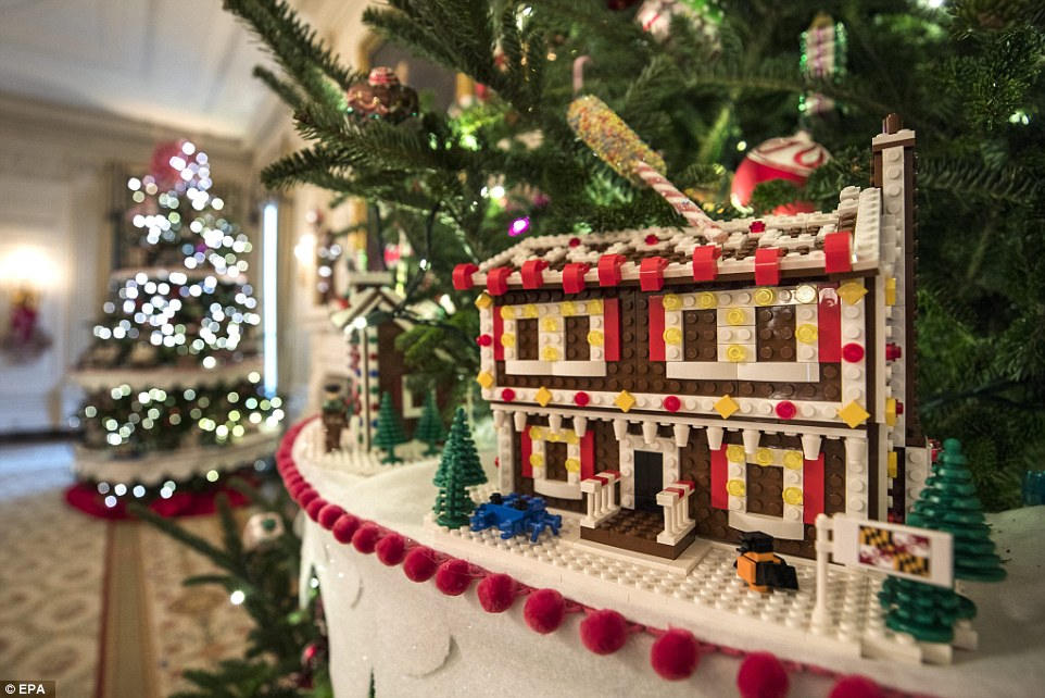3adb6c2e00000578-3983042-another_lego_creation_the_majority_of_the_holiday_decor_was_desi-a-13_1480440668938