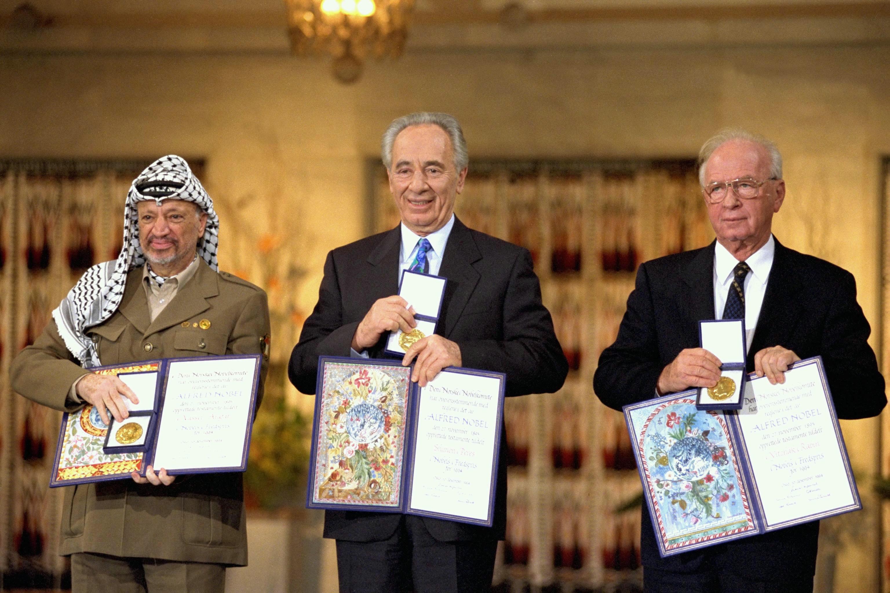 نتيجة بحث الصور عن ياسر عرفات وشارون