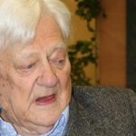 وفاة ريتشارد أدامز مؤلف رواية «ووترشيب داون» عن 96 عاما