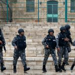 مسلحون يتبادلون إطلاق النار مع قوات الأمن الأردنية قرب الكرك