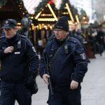 صور| سوق عيد ميلاد برلين يستعيد رونقه بعد هجوم الشاحنة