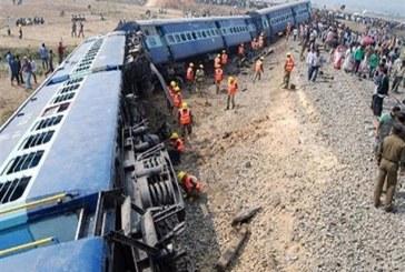 قطار الهند يخرج عن القضبان جنوب البلاد