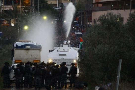 صور  تظاهر الآلاف في عرعرة احتجاجا على سياسة هدم المنازل العربية