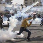 فيديو| مراسلة الغد: مواجهات محدودة بين الفلسطينيين وقوات الاحتلال في خان يونس