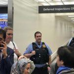مسؤول أمريكي: حظر جديد على السفر سيعفي حاملي البطاقات الخضراء