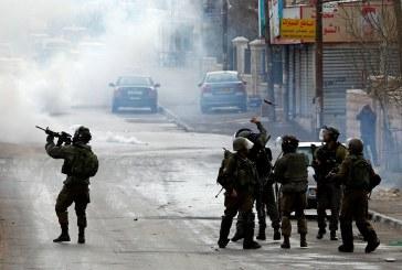 إصابة 4 مستوطنين في إطلاق نار وسط تل أبيب واعتقال المنفذ