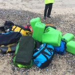 البحر يقذف حقائب كوكايين على شاطئ بإنجلترا