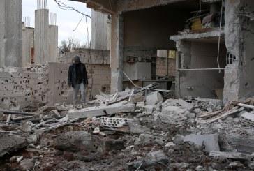 طائرات سورية تقصف مناطق تحت سيطرة المعارضة في حمص