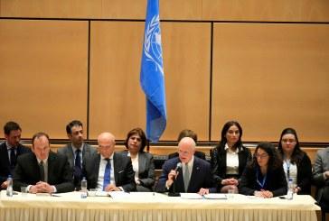 مفاوضو الحكومة السورية والمعارضة يجلسون وجها لوجه تحت علم الأمم المتحدة