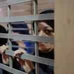 سلطات الاحتلال تحرم المعتقلات الفلسطينيات من رؤية أبنائهن