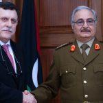3 أسباب وراء التوافق بين السراج وحفتر في ليبيا