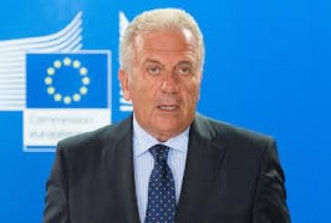 مفوض الهجرة بالاتحاد الأوروبي يهدد الدول التي ترفض استضافة اللاجئين بعواقب