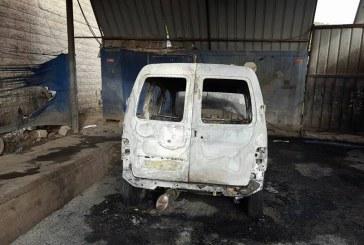 مستوطنون يحرقون مركبة مواطن فلسطيني جنوب نابلس