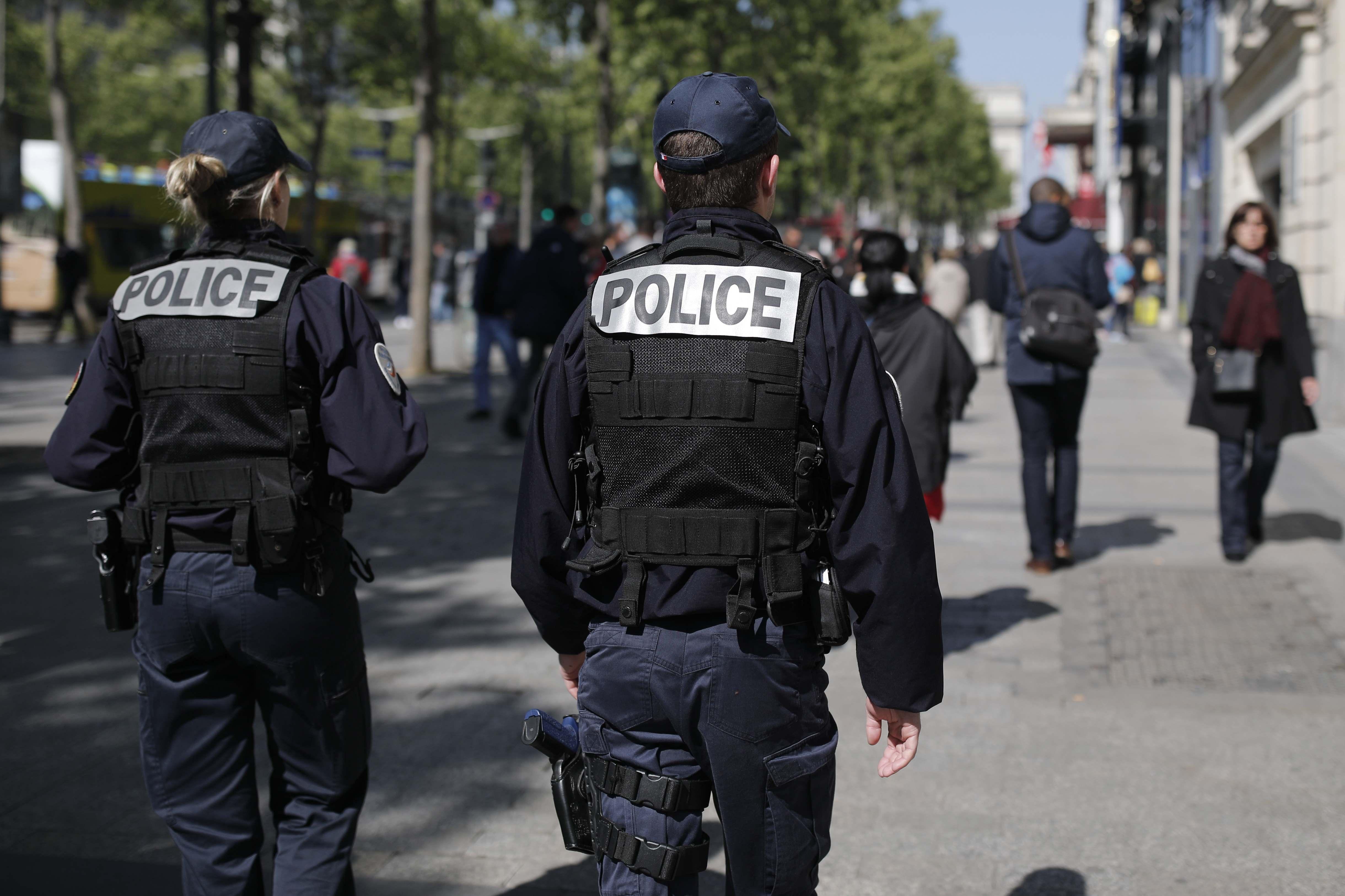 اليمين المتطرف Picture: توقيف 15 من اليمين المتطرف في باريس في إطار منع تظاهرة غير