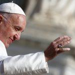 بابا الفاتيكان يدعو لتعليم الطلاب كيفية الحوار مع المسلمين