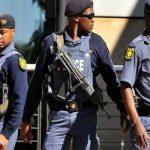 مقتل 5 أشخاص واحتجاز رهائن في كنيسة بجنوب أفريقيا