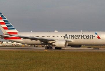 أمريكان إيرلاينز توقف موظفا عن العمل بعد شجار مع ركاب