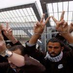 إسرائيل تدرس استقدام أطباء أجانب لـ«تغذية الأسرى قسريا»