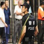 رجل يشهر سكينا يقتل شخصين ويصيب 18 في الصين