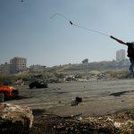 مواجهات بين الفلسطينيين وقوات الاحتلال مع استمرار إضراب الأسرى