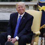 ترامب يدافع عن «حقه المطلق» في تبادل المعلومات مع الروس