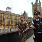 إصابة امرأتين في هجوم ببريطانيا بعد رفض تبادل القبلات