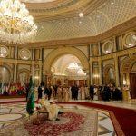 صور  العاهل السعودي يستقبل ترامب وزعماء العرب في القمة الخليجية الأمريكية