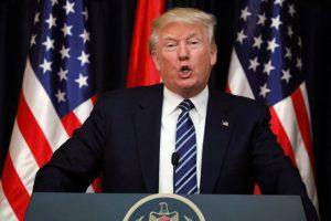ترامب ينتقد محكمة لإصدارها حكم ضد حظر السفر في «وقت الخطر»   الغد