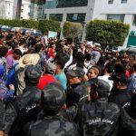 فيديو| مراسل الغد: هدوء نسبي في القصرين عقب حرق مقر للأمن التونسي